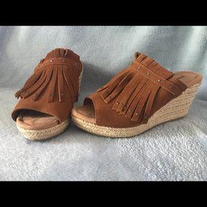 Minnetonka Shoes - Minnetonka Quinn Wedge